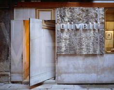 Ecomanta: Olivetti by Carlo Scarpa - Italian fashion week Valentino, Gucci, Prada.