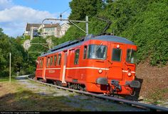 92 Untitled BDe at Dachsen, Switzerland by Christian Waelti Location Map, Photo Location, Swiss Railways, Winterthur, Light Rail, Train Tracks, Locomotive, Trains, Christian