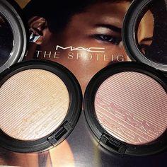 MAC In the spotlight extra dimension skin finish