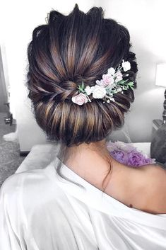 Timeless Bridal Hairstyles ★ timeless bridal hairstyles textured chignon with braid and flowers mpobedinskaya hairstyles updo Wedding Hairstyles Best Ideas For 2020 Brides Elegant Hairstyles, Loose Hairstyles, Bride Hairstyles, African Hairstyles, Pretty Hairstyles, Celebrity Hairstyles, Summer Hairstyles, Hairstyles For Weddings, Flower Hairstyles