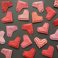 Easy, but intricate looking origami hearts, made from A4-proportioned paper. Find tutorial and free print-it-yourself-paper on my blog.