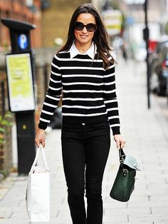 "Opting for a black-and-white nautical-inspired look, Pippa Middleton donned a pair of Goldsign ""Misfit"" slim leg jeans, a striped Alice + Olivia Shellen Mock Collar sweater, and a hunter green bag by Kate Spade. Style Casual, Casual Chic, Style Me, Casual Outfits, Pippa Middleton Style, Kate And Pippa, Top Mode, Looks Street Style, Look Chic"