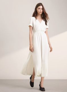 Wilfred TRION DRESS | Aritzia  This dress. Heart eyes for days. Want it in the other color.
