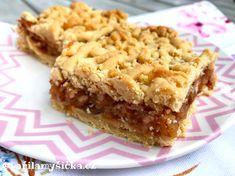 Šťavnatý jablečný koláč z křehkého těsta