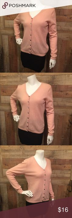 "Cashmere Sweater sz Medium Worthington pink button front, super soft,  100% Cashmere, 2-ply.  Great condition, slight piling in the usual spots, so not perfect condition but a great buy for casual weekends.  Size medium, 18"" across x  23"" long. Worthington Sweaters V-Necks"