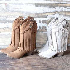 very volatile - pasa suede western boots (more colors) - shophearts - 3 Fringe Cowboy Boots, Cowgirl Boots, Western Boots, Cute Concert Outfits, Country Concert Outfit, Festival Outfits, Modern Gypsy Fashion, Country Fashion, Modern Hippie