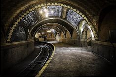City Hall Station (abandoned subway station in NYC which is open once a year to visitors) -- photo by RangeRover2, via Flickr
