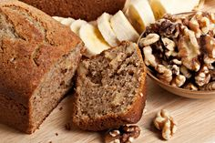 Who doesn& love a banana loaf? Try our delicious low GI Banana Loaf recipe for a healthy alternative to banana bread. Loaf Recipes, Banana Bread Recipes, Dessert Recipes, Diet Recipes, Recipies, Healthy Banana Bread, Baked Banana, Healthy Breads, Healthy Sweets