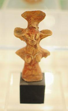 Woman Figurine_2, Harappan Civilization, 2500- 2000 BC   Flickr - Photo Sharing! Bronze Age Civilization, Indus Valley Civilization, Cradle Of Civilization, Ancient Art, Ancient Egypt, Ancient History, Venus, Harappan, Mohenjo Daro