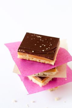 Chocolate Caramel Shortbread Bars- Millionaire's Shortbread Recipe-CS