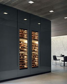Phoenix CR&S Varenna (2014) An exclusive model where all the kitchen units are inspired by pure and essential lines to achieve a rigorous design project. More details at: http://www.covetlounge.net/inspirations-ideas/