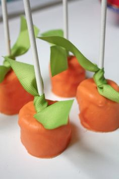 Dipped Pumpkin Marshmallows - I am on a dipped marshmallow kick lately.