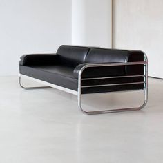 Art Deco - Streamline Tubular Stell, Couch/ Daybed, Germany, ca 1930 For Sale at