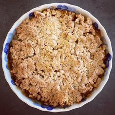 Crumble Pomme Caramel, Chefs, Delicious Desserts, Dessert Recipes, Healthy Breakfast For Kids, Healthy Fruits, Coco, Love Food, Deserts