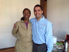 Yvonne Cagle, la primera mujer astronauta afroamericana y Mario Cárcamo fundador de www.estenotipista.cl