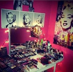 Love this room and all the makeup <3