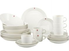 iittala teema white - I wonder if I ever gonna organize that big dinner party where I´ll use all of my cups, saucers and plates.