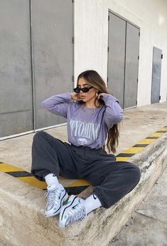 Lazy Outfits, Cute Comfy Outfits, Sporty Outfits, Cool Outfits, Fashion Outfits, Hijab Fashion, Fashion Books, Aesthetic Fashion, Streetwear Fashion