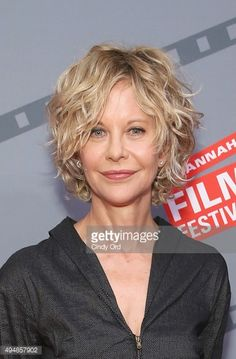 Meg Ryan's iconic blonde curls have evolved from cutesy to sophisticated thanks … Meg Ryan's iconic blonde curls have evolved from cutesy to sophisticated thanks to a piece-y, layered, looser look. Meg Ryan Hairstyles, Haircuts For Curly Hair, Curly Hair Cuts, Short Curly Hair, Short Hairstyles For Women, Short Hair Cuts, Bob Hairstyles, Curly Hair Styles, Meg Ryan Haircuts