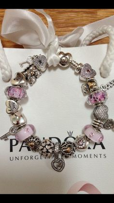 >>>Pandora Jewelry OFF! >>>Visit>> Hearts and love Pandora bracelet Pandora Beads, Pandora Bracelet Charms, Pandora Rings, Pandora Jewelry, Charm Jewelry, Pandora Pandora, Charm Bracelets, Diy Jewelry, Mens Silver Necklace