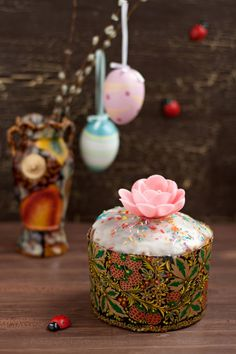 """""""Kulich"""" - tipical Russian Easter recipe"""