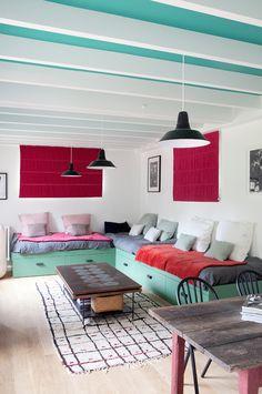 Il living della casa di  Sarah Lavoine a Montfort L'amaury /// Sarah Lavoine's living in Montfort L'amaury