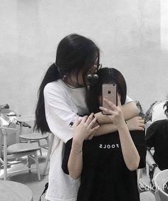 Cute Lesbian Couples, Lesbian Love, Ulzzang Couple, Ulzzang Girl, Lgbt, Foto Rose, Couple Goals Cuddling, Korean Best Friends, Girl Couple