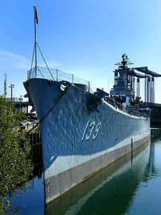 The third USS Salem is one of three Des Moines-class heavy cruisers completed for the United States Navy shortly after World War II Uss Salem, Model Warships, Heavy Cruiser, United States Navy, Battleship, Us Navy, Vacation Ideas, World War Ii, Ww2