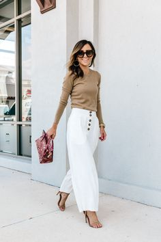 Where to shop work clothes for modern working women Mode Outfits, Casual Outfits, Fashion Outfits, Looks Chic, Looks Style, Womens Fashion For Work, Work Fashion, Spring Summer Fashion, Autumn Winter Fashion
