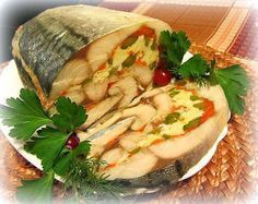 The original roll mackerel, stuffed with boiled eggs, carrots and pickled cucumbers. Fish Recipes, Seafood Recipes, Chicken Recipes, Cooking Recipes, Healthy Dishes, Healthy Eating, Healthy Recipes, Appetizer Salads, Food Decoration