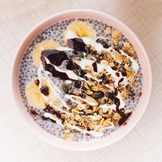 Summer is on its way and we can almost taste it...we can also taste all the light and yummy recipes we're playing around with that are simple, healthy and perfect for a day in the sun...  ..Enter Cashew Chia breakfast bowl! A fresh (or should we say 'fresch'?) brekkie that will jump-start your day, and only take 15 minutes to make. Chia Breakfast, Breakfast Bowls, Yummy Recipes, Yummy Food, Healthy Breakfasts, Acai Bowl, Sun, Fresh, Simple