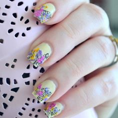 Spring Dried Flowers Manicure with Video Tutorial