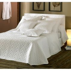 """Couvre-lit MICHEL VIAUD """"DATCHA"""" piquage DATCHA Linen Bedding, Michel, Furniture, Home Decor, Light Colors, Contemporary, Linen Sheets, Homemade Home Decor, Home Furnishings"""