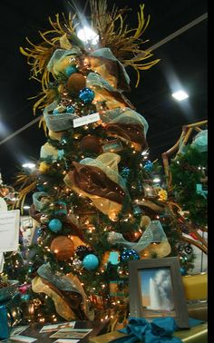 Lots of pictures and lots of AQUA and brown! Flocked Christmas Trees, Christmas 2014, Christmas Decorations, Xmas, Holiday Decor, White Christmas, Winter Love, All Holidays, Flocking
