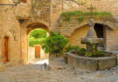 Crestet (© Vaison Ventoux Tourisme, en Provence)