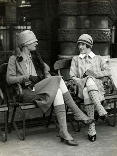fashion inspiration in more than 100 photos!- Mode Inspiration in mehr als 100 Fotos! 20s Fashion, Art Deco Fashion, Fashion History, Retro Fashion, Vintage Fashion, Street Fashion, Fashion Terms, Gothic Fashion, Everyday Fashion