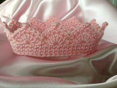 Haak kroon voor mooie prinses of Prins Charmant roze paars