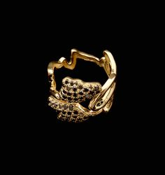 Melancolía | Anillo con diamantes negros y oro 18k - Ring with black diamonds and 18k gold #Jewelry #Luxury #Art #ArtInJewelry #Ring #SignatureJewellery #Luxury #Spain