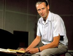 George Martin, Redefining Producer Who Guided the Beatles, Dies at 90 - The New York Times