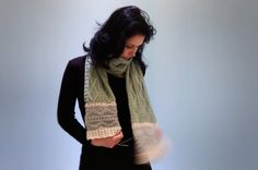 Cashmere hand knitted spring green Scarf with di linarekl su Etsy, $299.00
