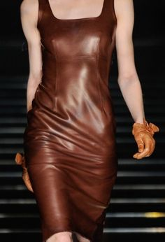 Deep brown lux leather tank dress with matching gloves by Ermano Scervino. Mode Boho, Mode Chic, Tank Dress, Dress Up, Bodycon Dress, Leather And Lace, Brown Leather, Lambskin Leather, Distressed Leather