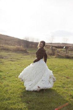 Pour les futures mariées en quête de nouvelles inspirations, notre sélection de robes colorées et décalées repérées sur Pinterest.