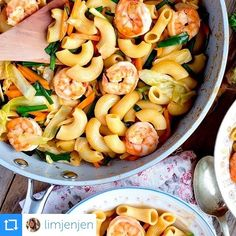 News from the #CookItBetter contest.... And the WINNER is: directly from Asia @limjenjen which collected 3697 likes with the Stir-fried Spicy Macaroni with Shrimps recipe cooked with whitford coated pans - Well done!!  All the best for your baby exams  #f