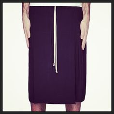 If it's got a drawstring then you know it's gonna be comfy. | 33 Men Rocking Skirts