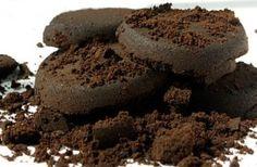 Une seconde vie pour le marc de café ? appliquez sur cheveux bruns les rend brillants