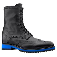 Elevator boots - Upper in black full grain leather, insole and midsole in genuine leather, cotton waxed shoe laces. Hand Made in italy. #elevatorshoes #elevatorboots