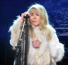 Stevie onstage   ~ ☆♥❤♥☆ ~  wearing that fabulous fake fur coat and no rings; photo taken at the Sands Bethlehem Event Centre, in Bethlehem, PA , on November 19th, 2016  during her '24 Karat Gold' US tour concert 2016    ~  https://www.stevienicksofficial.com/news/stevie-nicks-announces-27-city-north-american-24-karat-gold-tour-with-pretenders
