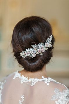 Chic Chignon Bridal Up Do | | Beautiful Heirloom Accessories from Lila | Handcrafted Bespoke Bridal Accessories | Image by Katy Lunsford | http://www.rockmywedding.co.uk/beautiful-heirloom-accessories-lila/