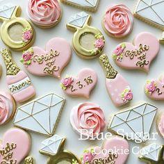 Wedding Shower Cookies, Bridal Shower Desserts, Bridal Shower Centerpieces, Bridal Shower Favors, Shower Cake, Bridal Shower Cupcakes, Disney Bridal Showers, Gold Bridal Showers, Bridal Shower Rustic