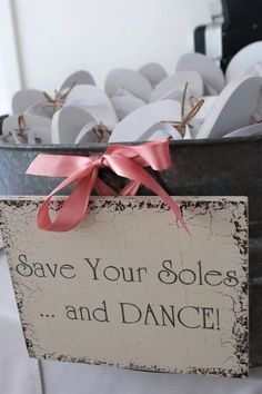 wedding favor ideas on a budget | Wedding favor ideas for dancing – keep your priorities in check.